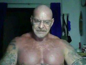 Big Gay Daddy Italiano Na Tailândia Porn