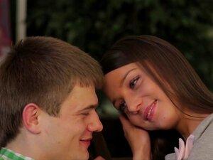 Teeny Lovers - A Bunda Dela é Uma Obra-prima Porn