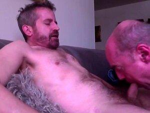 O Sacana Mais Velho Engole A Carga Do Gay Gemido. Porn