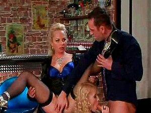 Loira Solitária Fica Fodido No Bar Porn