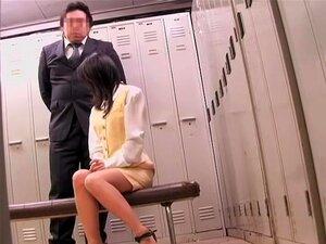 """Diretor Fode Uma Estudante Asiática No Filme Japonês """"voyeur"""", Diretores Japoneses São Muito Difíceis Com Seus Alunos, Especialmente Quando Meninas Bizarro Fazem Coisas Impertinentes. Neste Cam Spy Vídeo Sensual Estudante é Perfurado Muito Duro  Porn"""
