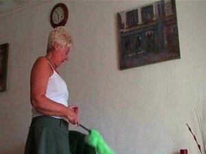 Britânica E Completa Figurada Vovó Sandie Dá Buceta Velha Um Treino Porn