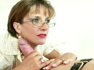 Lady Sonia A Esfregar A Pila No Seu Corpo Fantástico Porn