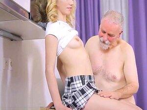 Um Velho Rabugento Brinca Com Uma Jovem. Assista Lascivos Velhos Cara Brinca Juvenil Bebê E Período;com&vírgula, O Mais Hardcore Porn Site E Período; é O Lar Para A Mais Ampla Seleção De Livre Boquete Vídeos De Sexo Completo Das Melhores Pornstars&período Porn