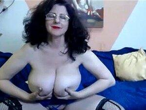 Webcam-adulto De 46 Anos Com Mamas Enormes A Provocar Porn