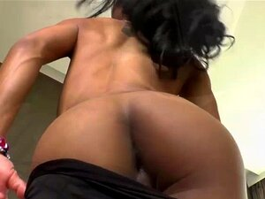 Os Desenhos Animados Tailandeses Adoram Masturbar-se, Os Desenhos Animados Tailandeses Mostram As Suas Curvas Sensuais E O Seu Corpo Bronzeado. Ela Revela Suas Mamas Alegres E Seu Rabo Apertado. Os Desenhos Animados Adoram Masturbar-se Com A Sua Ferrament Porn