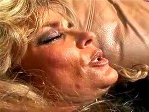 O Vídeo Caseiro Mais Quente Com Cenas De Cunnilingus Vintage, Porn