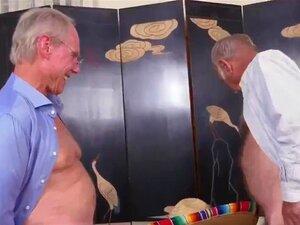 Broche Amador Na Casa De Banho A Sul Da Fronteira Porn