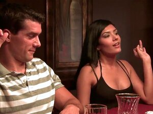 Shazia Sahari Sempre Considerou O Seu Casamento Com Jay Algo Como Falha, E Ela Quer Transar Ramon Em Vez Disso. Isso é O Que Ela Faz Neste Filme. Porn