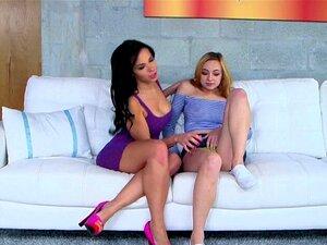 A Mãe Lésbica Seduz Dois Adolescentes Excitados. A Mãe Lésbica Seduz Dois Adolescentes Excitados Porn