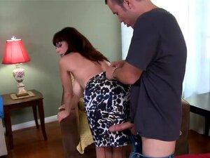 Ver Esta História Pornô Extremamente Quente Com Karen Kougar E Tim Cannon. Morena Cougar Com Grande Do Silicone Juggs Permanece Em Meias Sapatos De Salto Altos Antes Do Sexo Selvagem. Porn