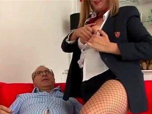Querida Arrastão Chupando Velho Sortudo Porn