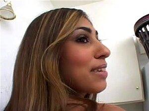 A Prostituta Britânica Sahara Knite Adquire Um Creampie Anal, Uma Garota Marrom Com Um Bom Traseiro Adquire No Olho Castanho. Seu Traseiro Juvenil Agradável Adquire O Passeio Anal De Sua Vida. Porn