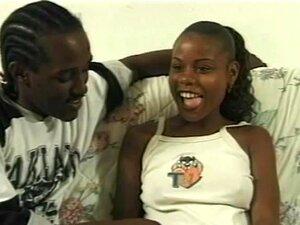 Mamadas Babe Ebony Obtém A Cona Peluda Lambeu Porn