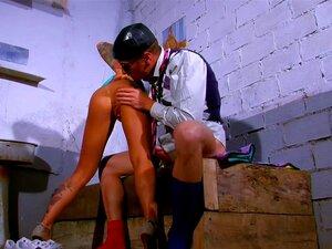 Menina Tatuada Espanhol Fica Fodida Na Cadeia Porn