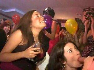 Público Fode Duro No Bar Porn