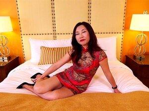 As MILF Asiáticas Maduras Fodem A Pila Branca Porn