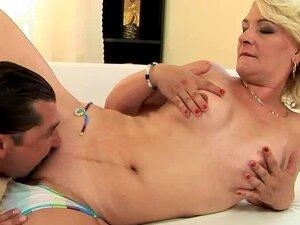 Madura Vadia Mary Blond Chupa Um Pau Antes E Depois Montá-lo Porn