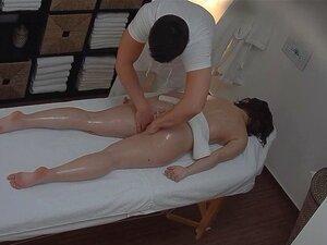 Incrível Teen Fodido Na Sala De Massagem Porn