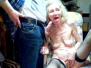 Velha Vovó 70 Anos Chupa Neto Porn