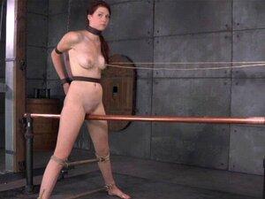 Clítoris Furado, Bondage Ashley Lane Grinds No Bar. Clitóris Pierced Bdsm Bondage Ashley Lane Grinds On Bar Which Is Electrificed Porn